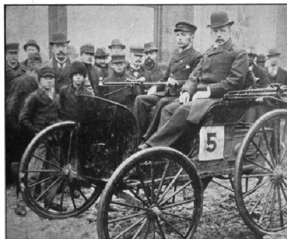 1895 Chicago Duryea motor wagon